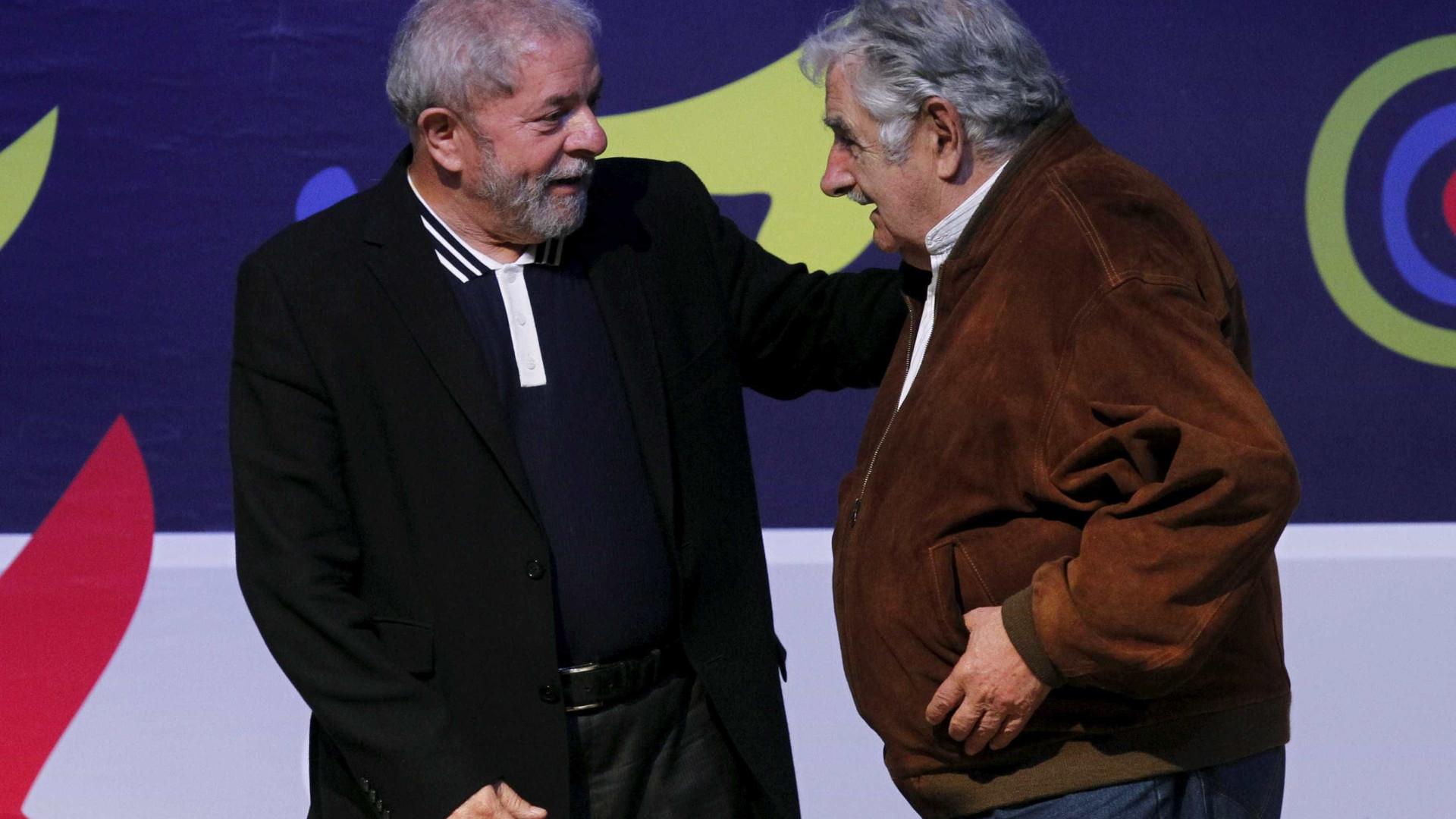 Com presença de quatro ex-presidentes, caravana de Lula avança pelo Sul