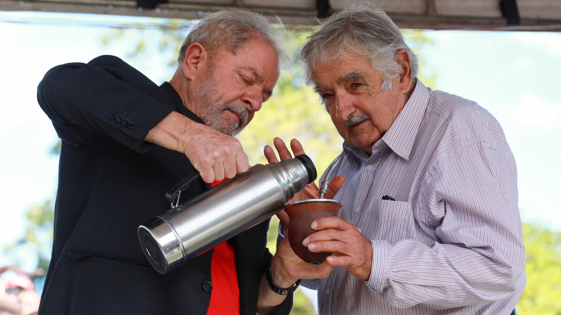 Mujica para Lula: 'As mudanças não podem se respaldar em um só'