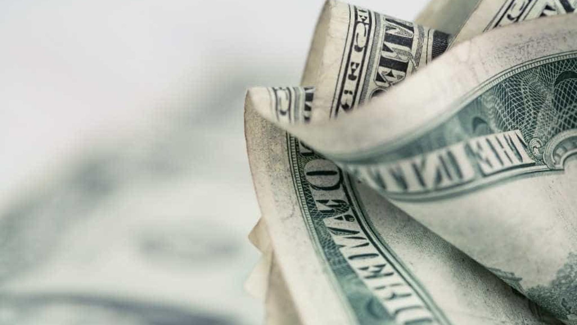 Alta do dólar deve continuar, mas pode haver correção dos preços