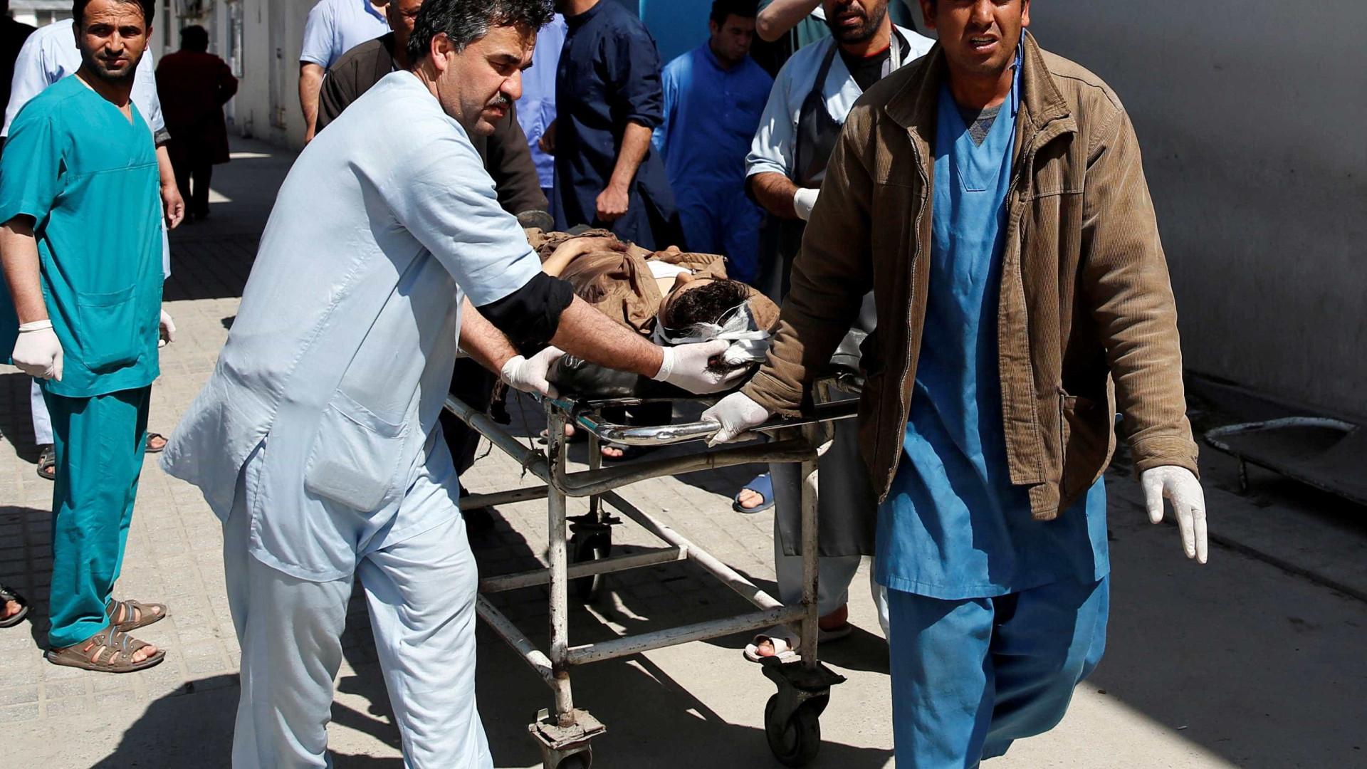 Ao menos 26 morrem em atentado perto da Universidade de Cabul