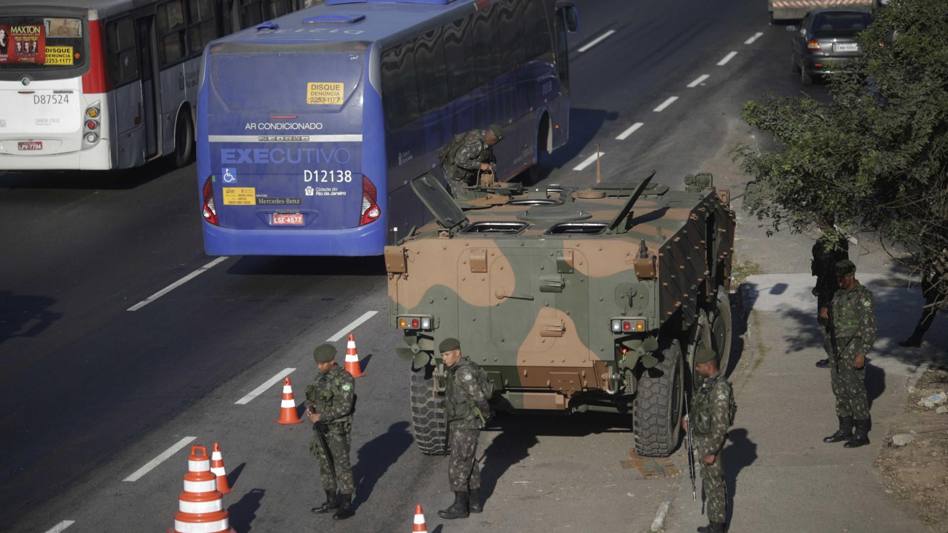 Dezoito são presos em operação das Forças Armadas no Rio
