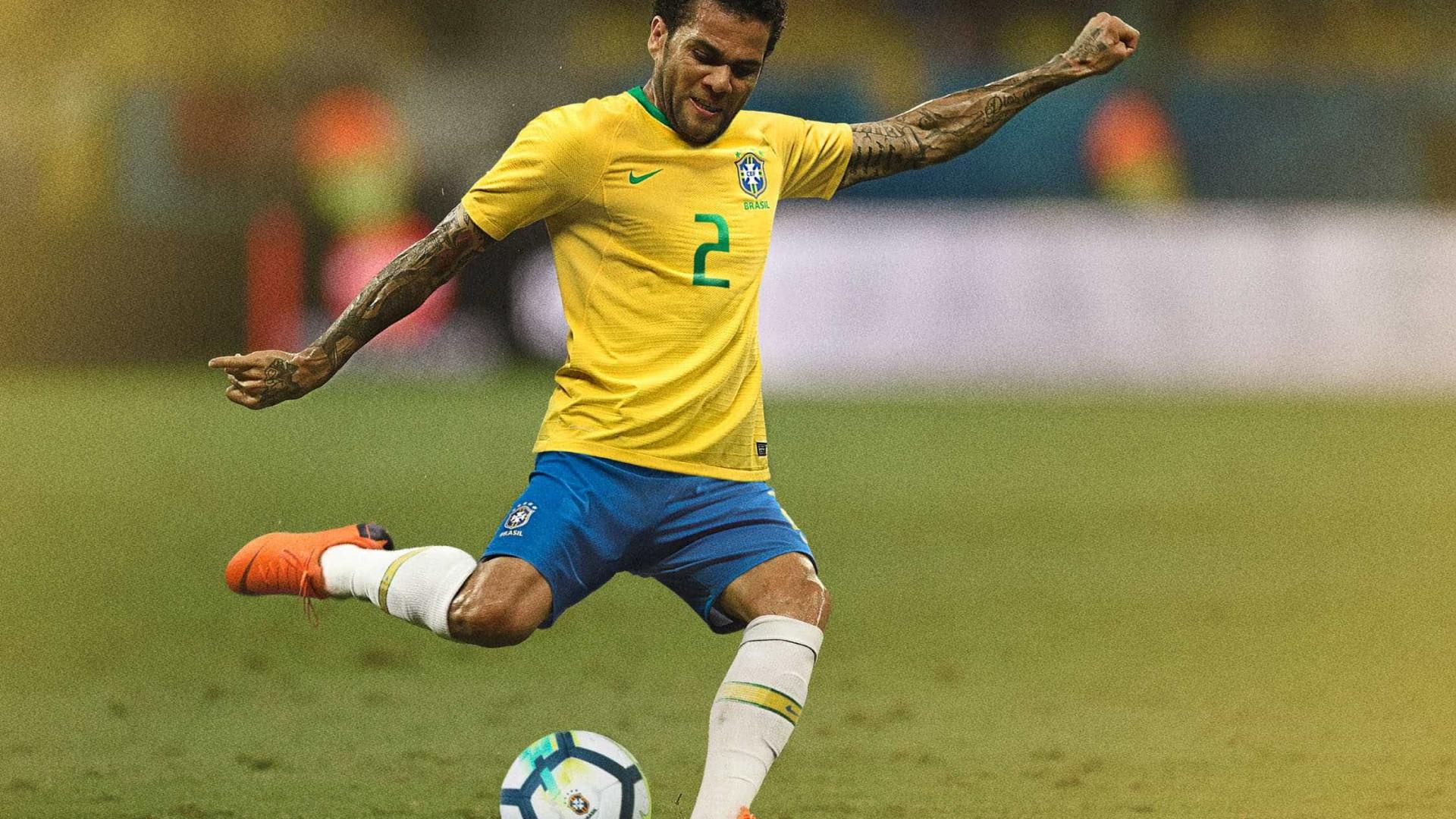 CBF divulga numeração oficial para o duelo Brasil x Rússia; Ismaily é 6