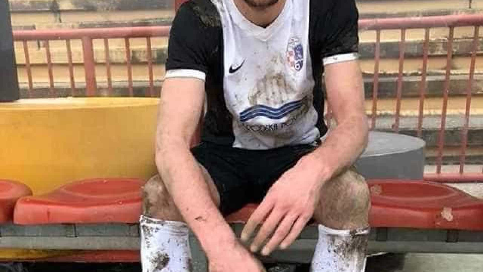 Jogador croata morre em campo — Vídeo