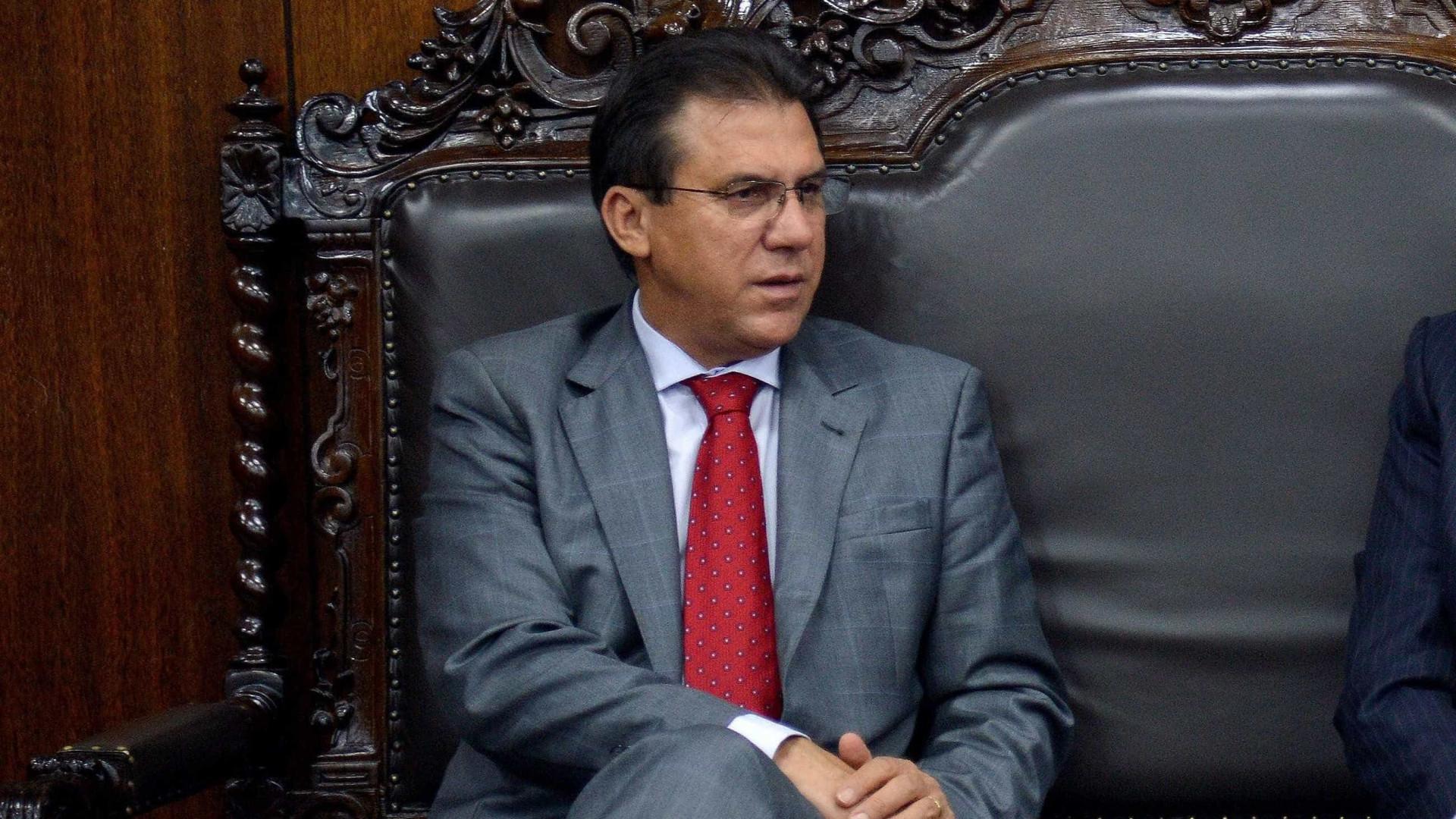 Temer facilita entrega do petróleo brasileiro, diz Marinho em sabatina