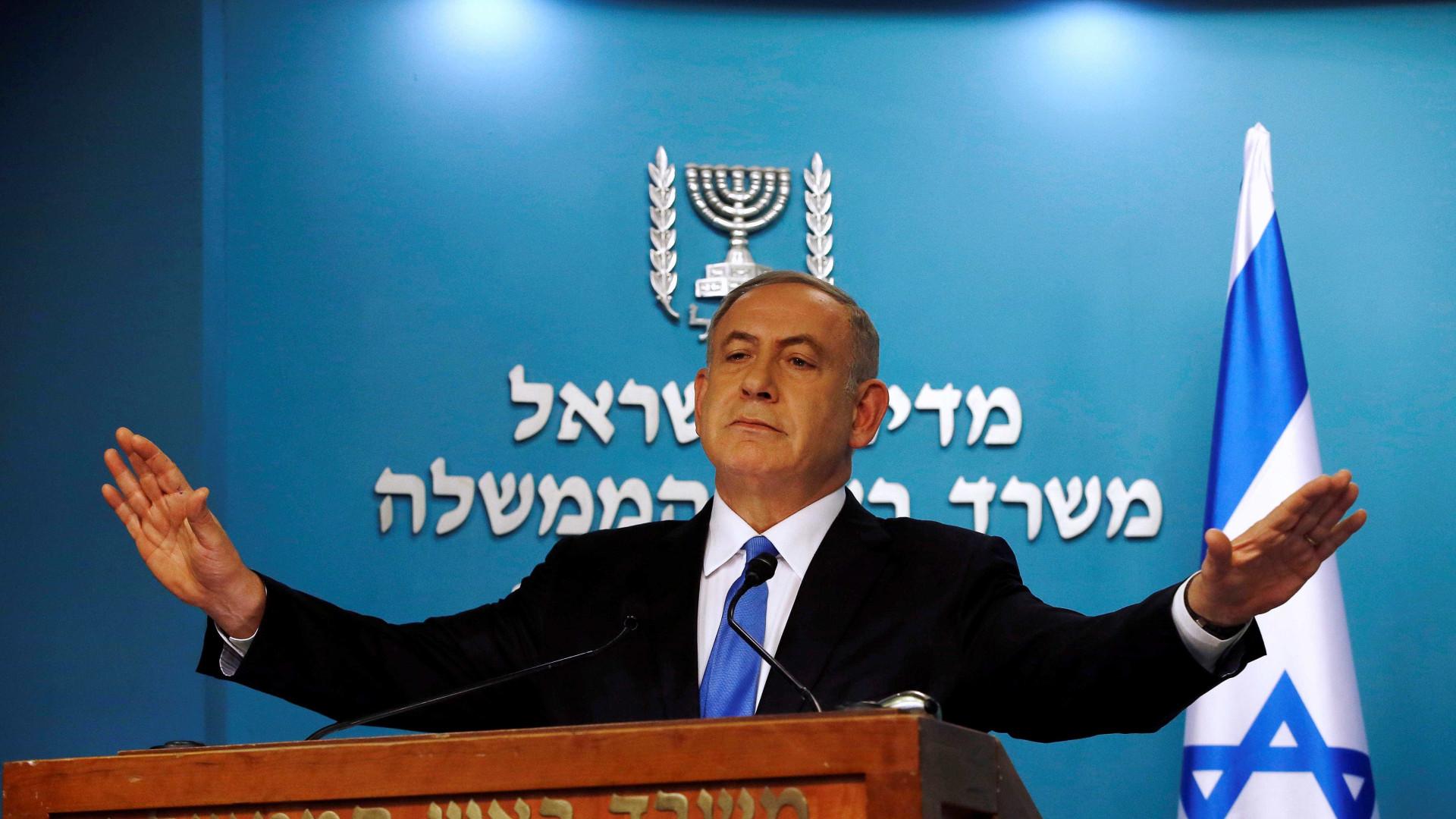Premiê de Israel evita eleição antecipada após recuo de ministro