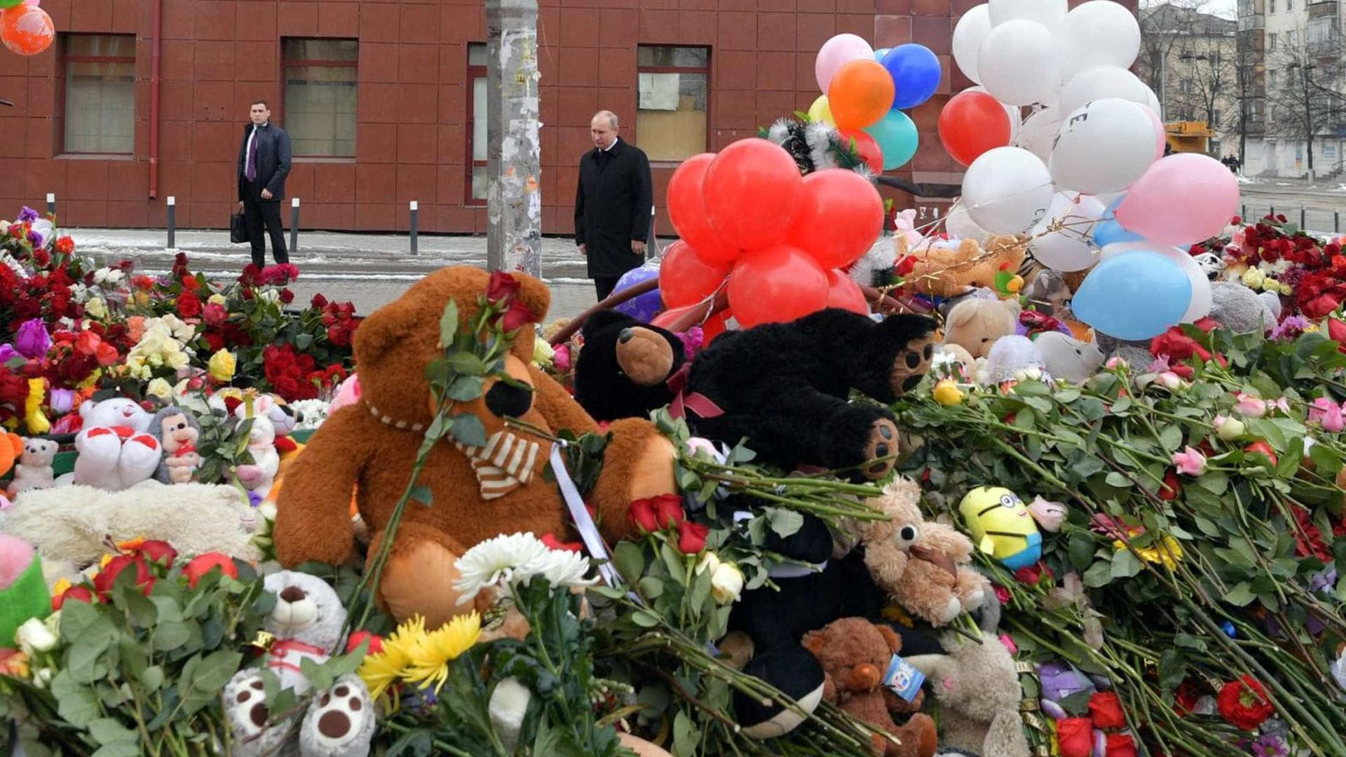 41 crianças morrem no incêndio em centro comercial na Sibéria