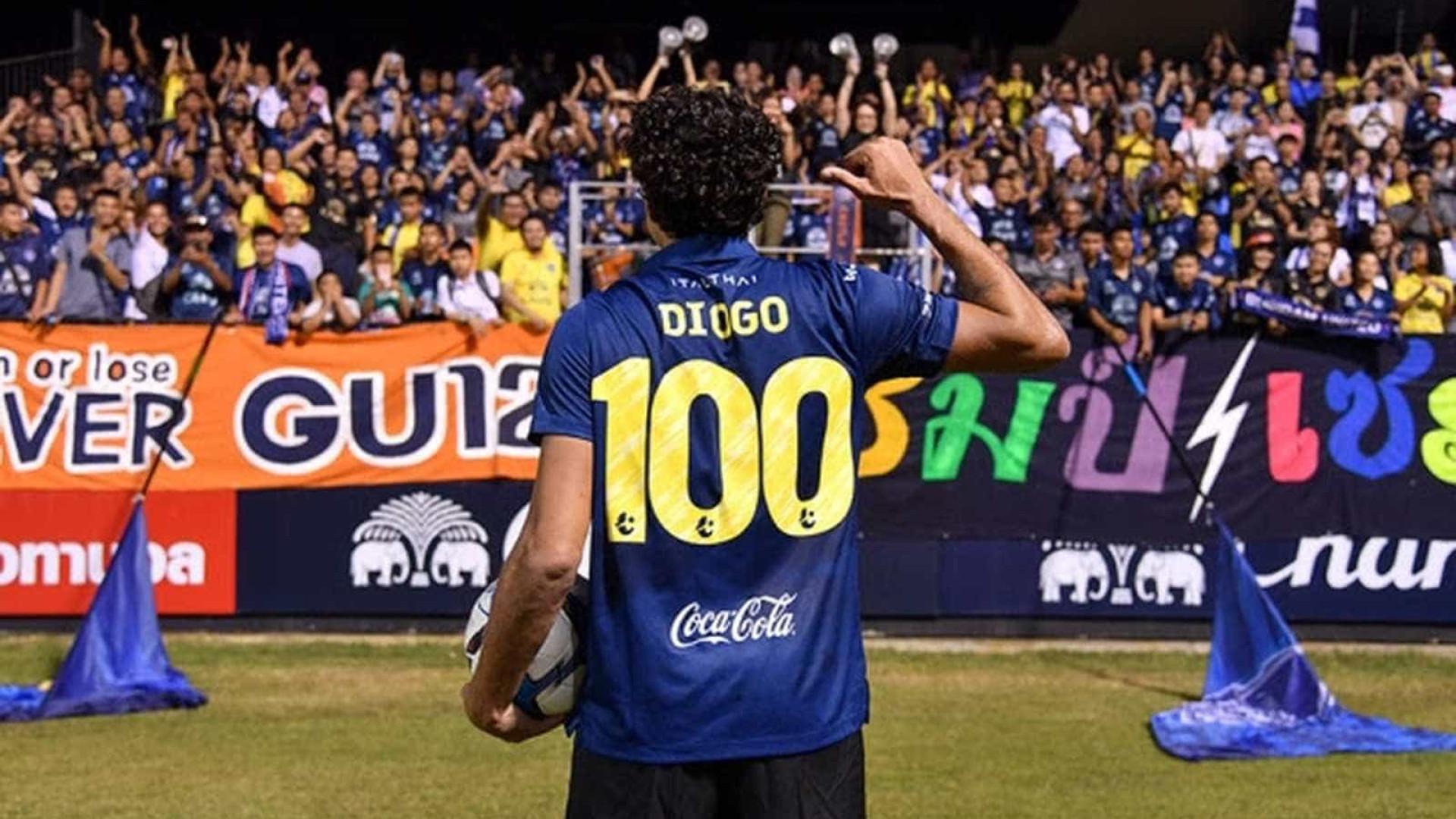 Ex-Flamengo, Santos e Palmeiras ultrapassa marca de 100 gols na Ásia