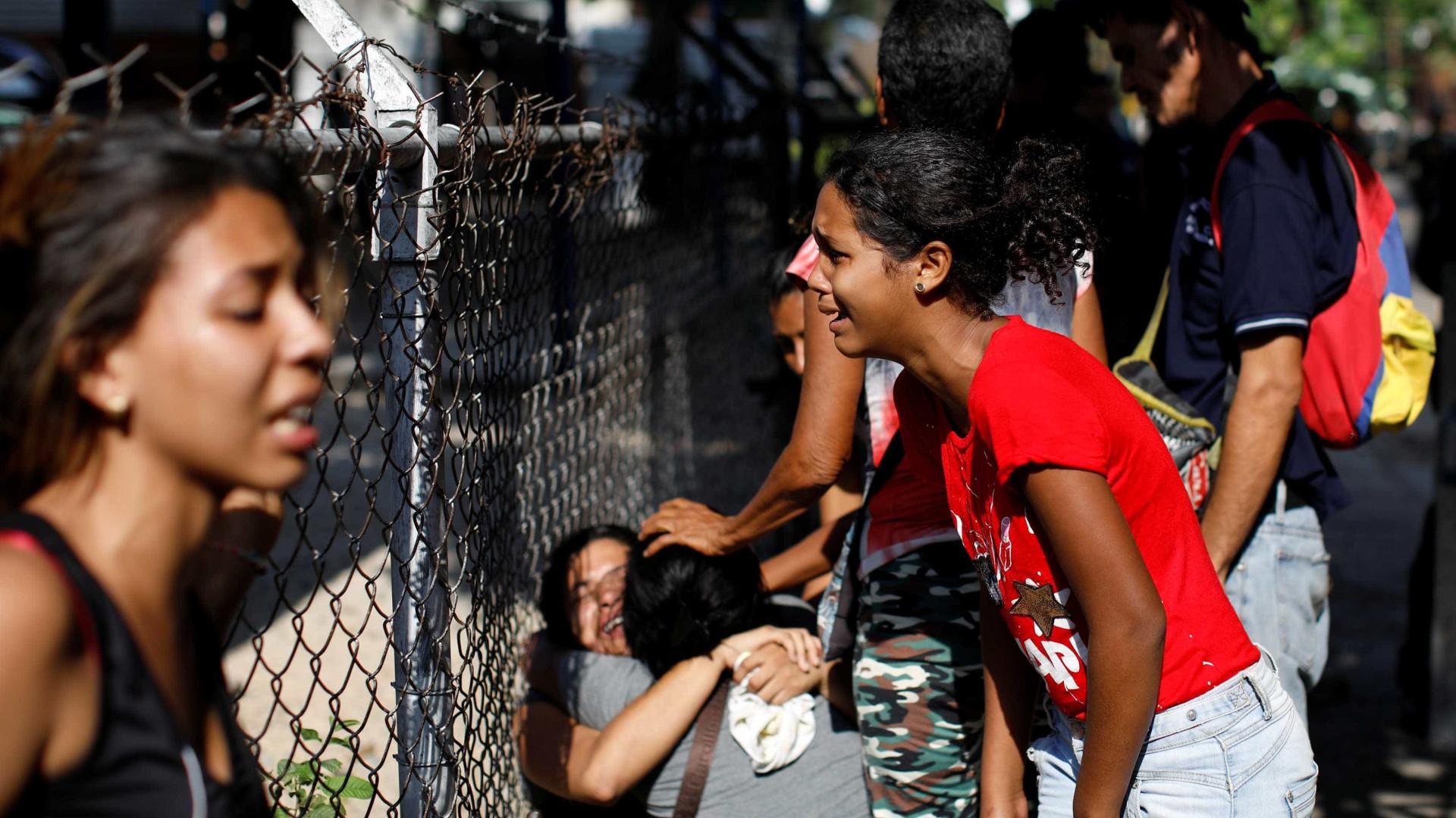 Incêndio deixa dezenas de mortos em prisão venezuelana