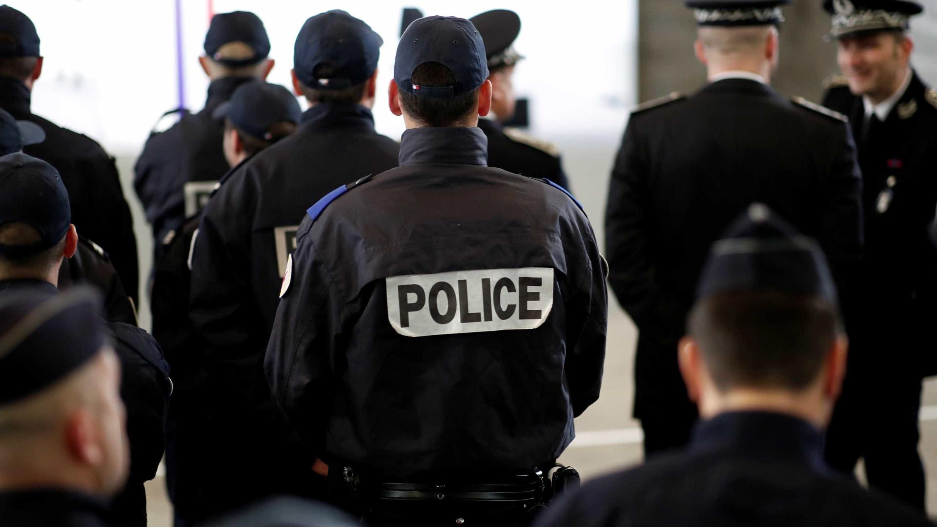 França prende suspeitos de tentarem atropelar militares