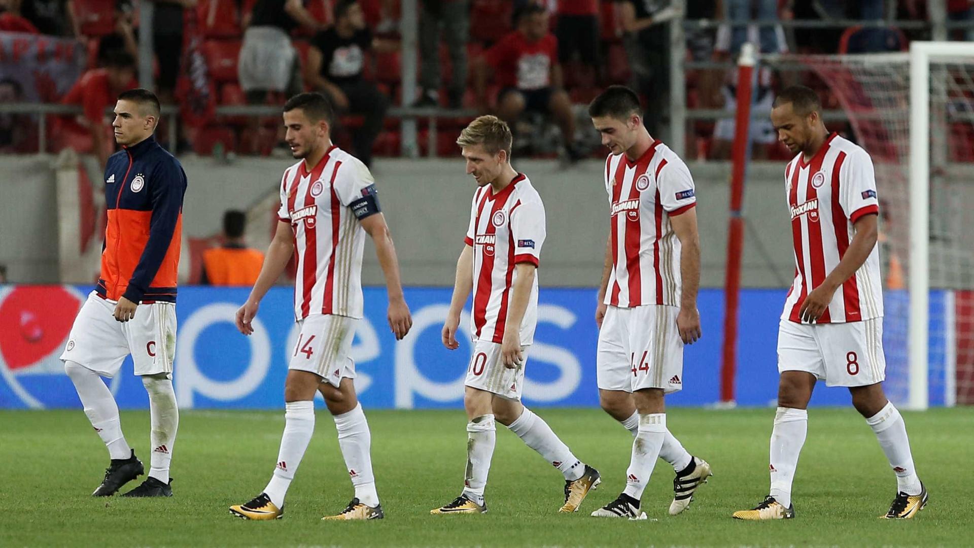 Dono de clube multa jogadores em 400 mil euros por maus resultados