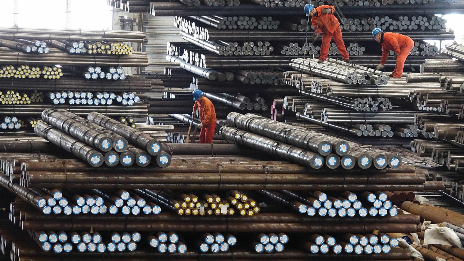 China anuncia tarifas de 25% sobre US$ 16 bi em produtos dos EUA