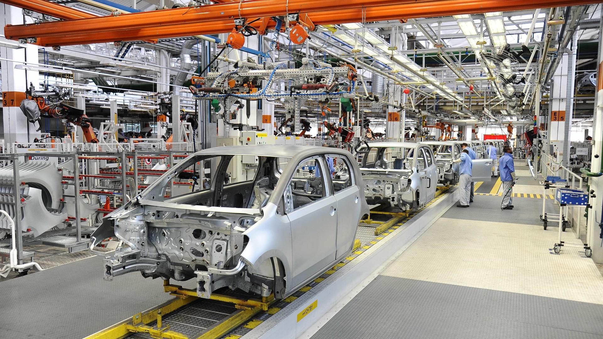 Produção industrial cresce 0,2% em outubro, após 3 meses de queda