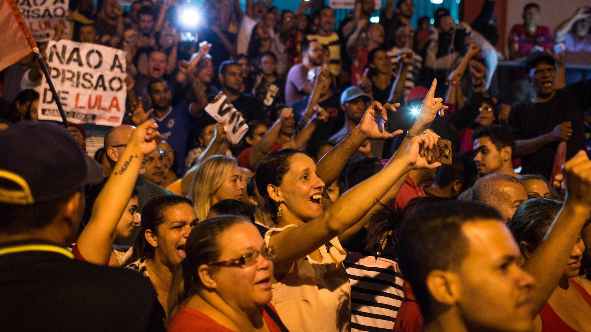 Mais de 50 cidades têm atos a favor do ex-presidente Lula