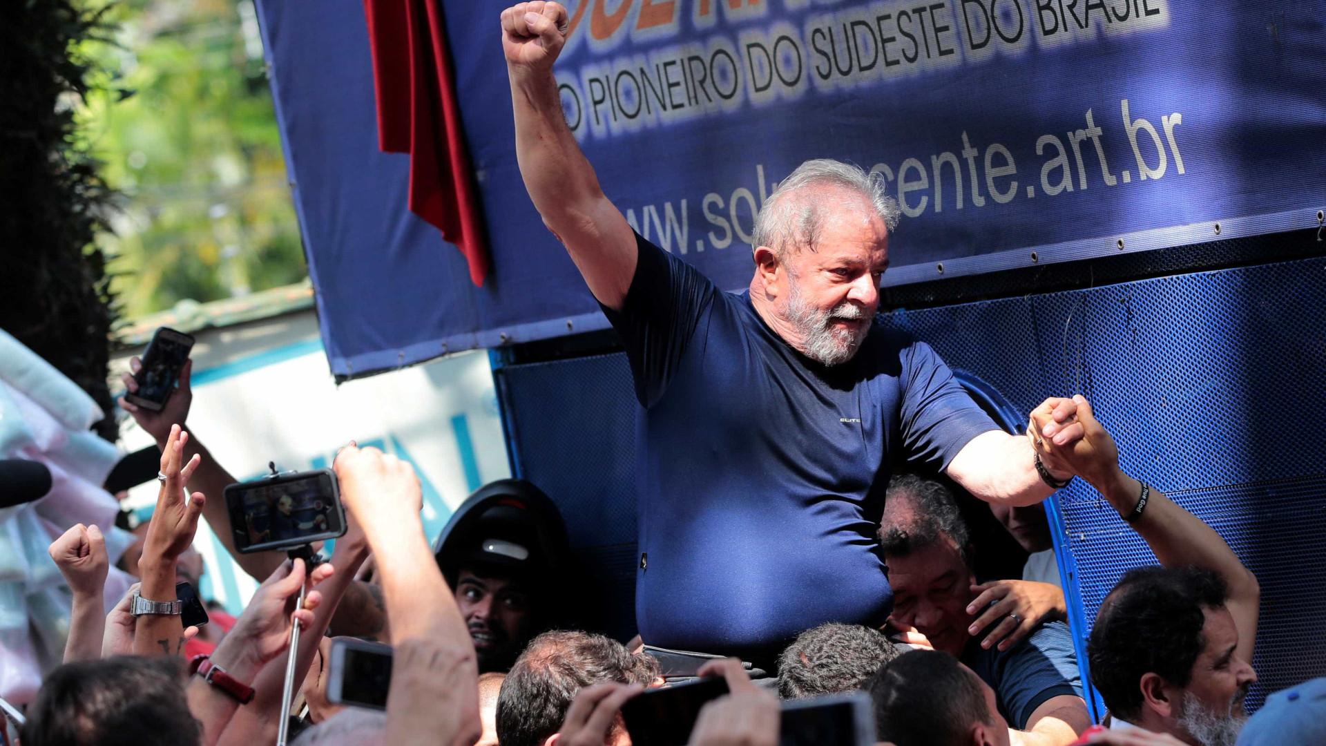 'Por vocês valerá a pena morrer', diz Lula em recado à militância