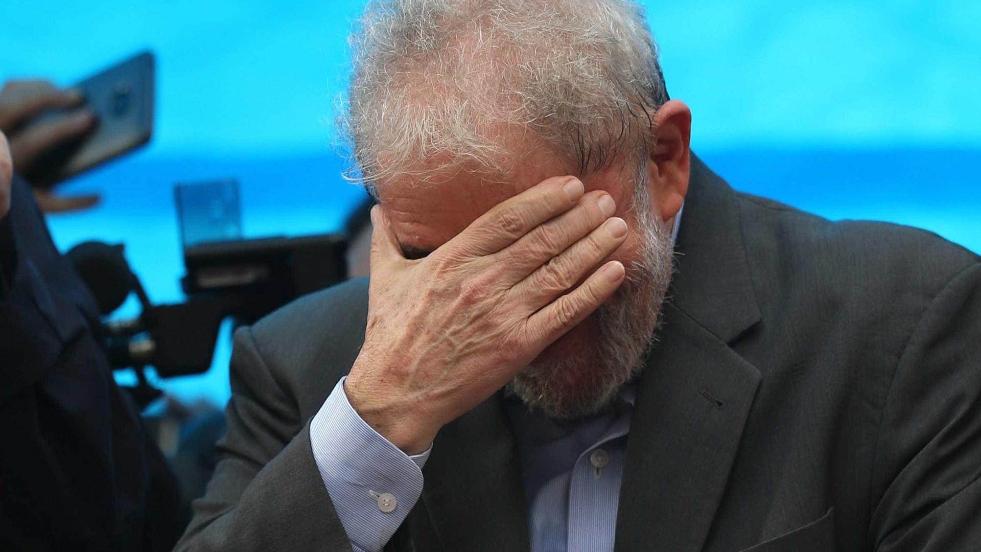 Lula recebe análise pessimista sobre deixar a prisão, diz jornal