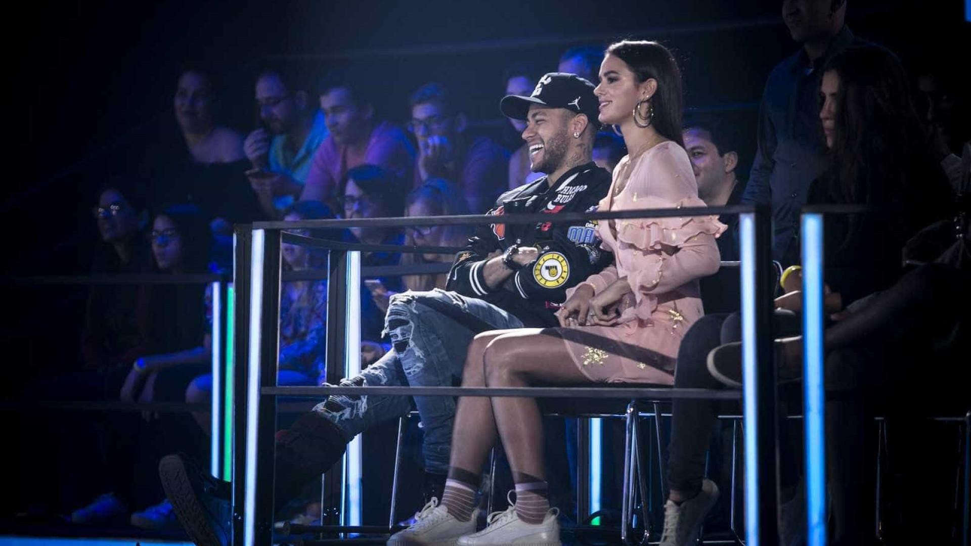 Bruna Marquezine e Neymar dão 1ª entrevista juntos à TV