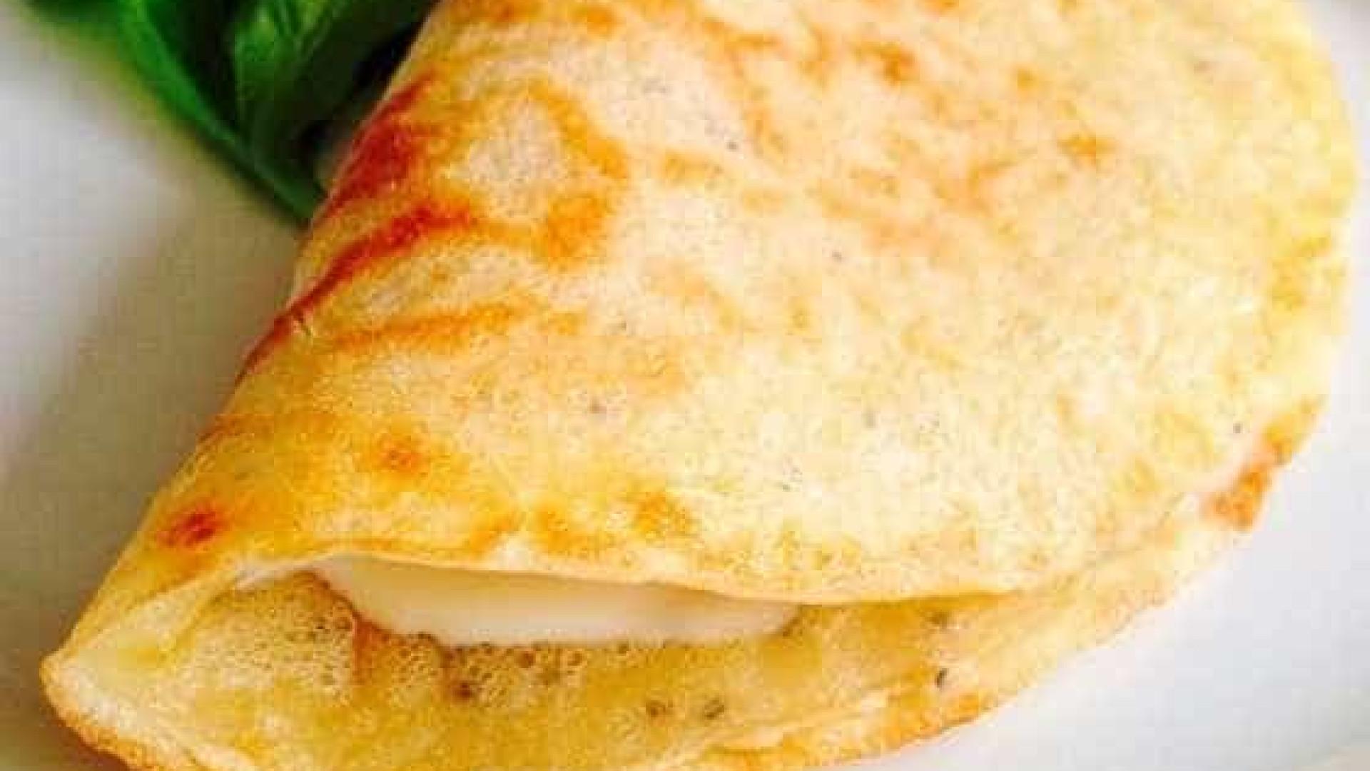 Crepioca fit com apenas 2 ingredientes para o café da manhã