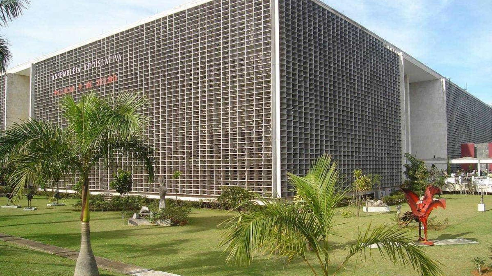 Deputados de SP aprovam indenização de 23 anos para quem se demitir