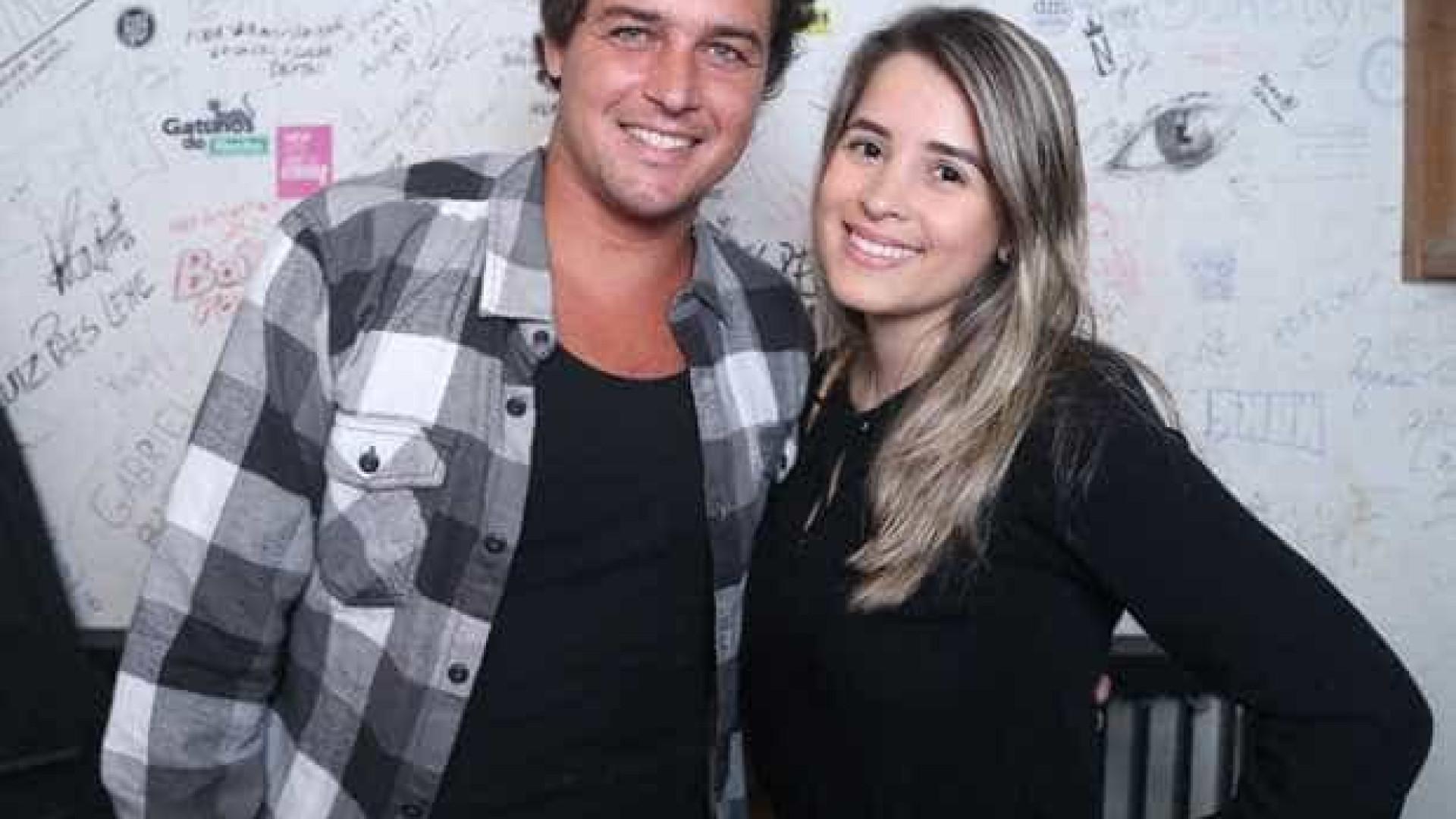 Nove meses após fim de casamento, Felipe Dylon apresenta nova namorada