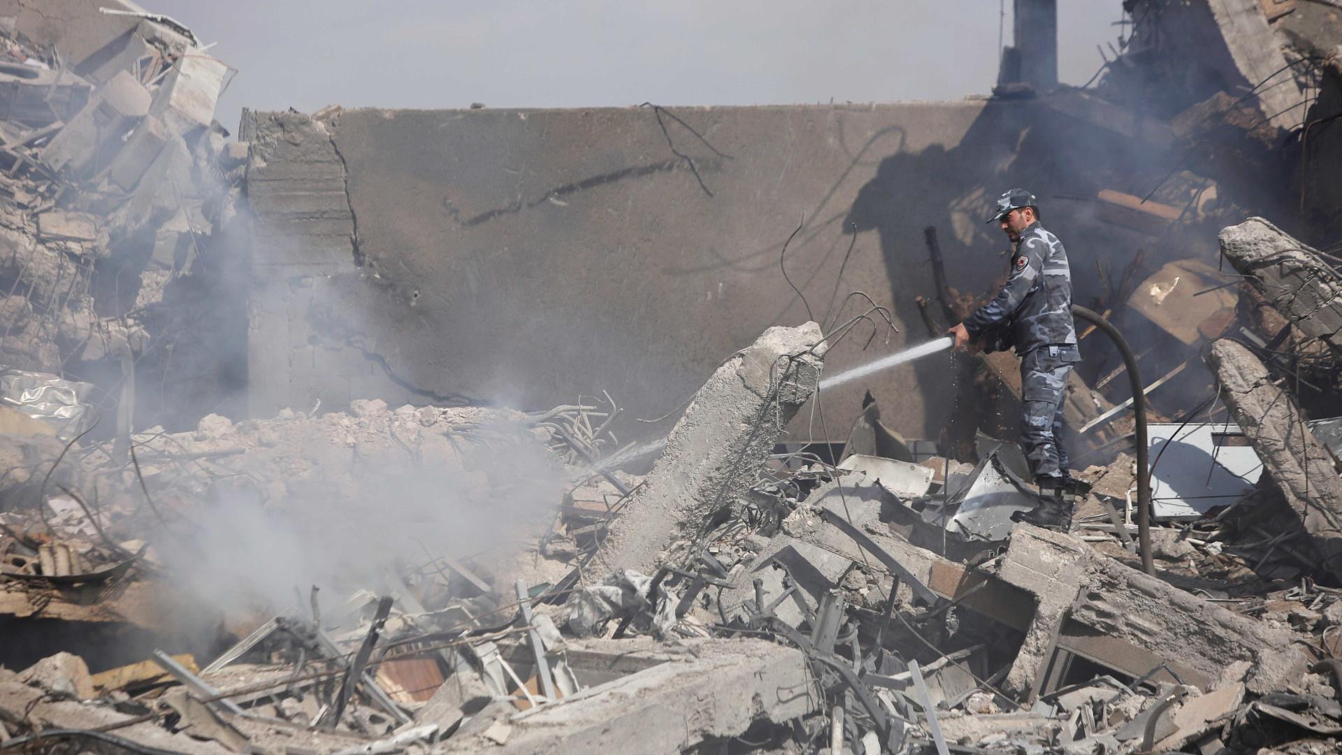 Líderes mundiais reagem após ataque dos EUA na Síria