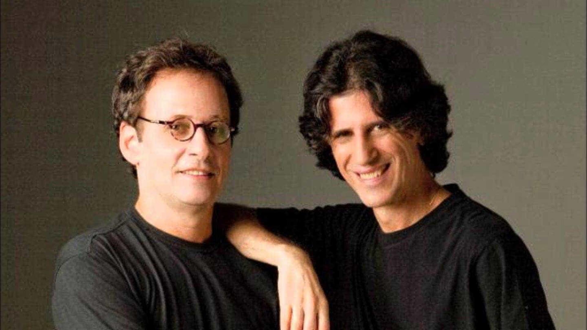 Kleiton & Kledir regravam hino sensual dos anos 1980