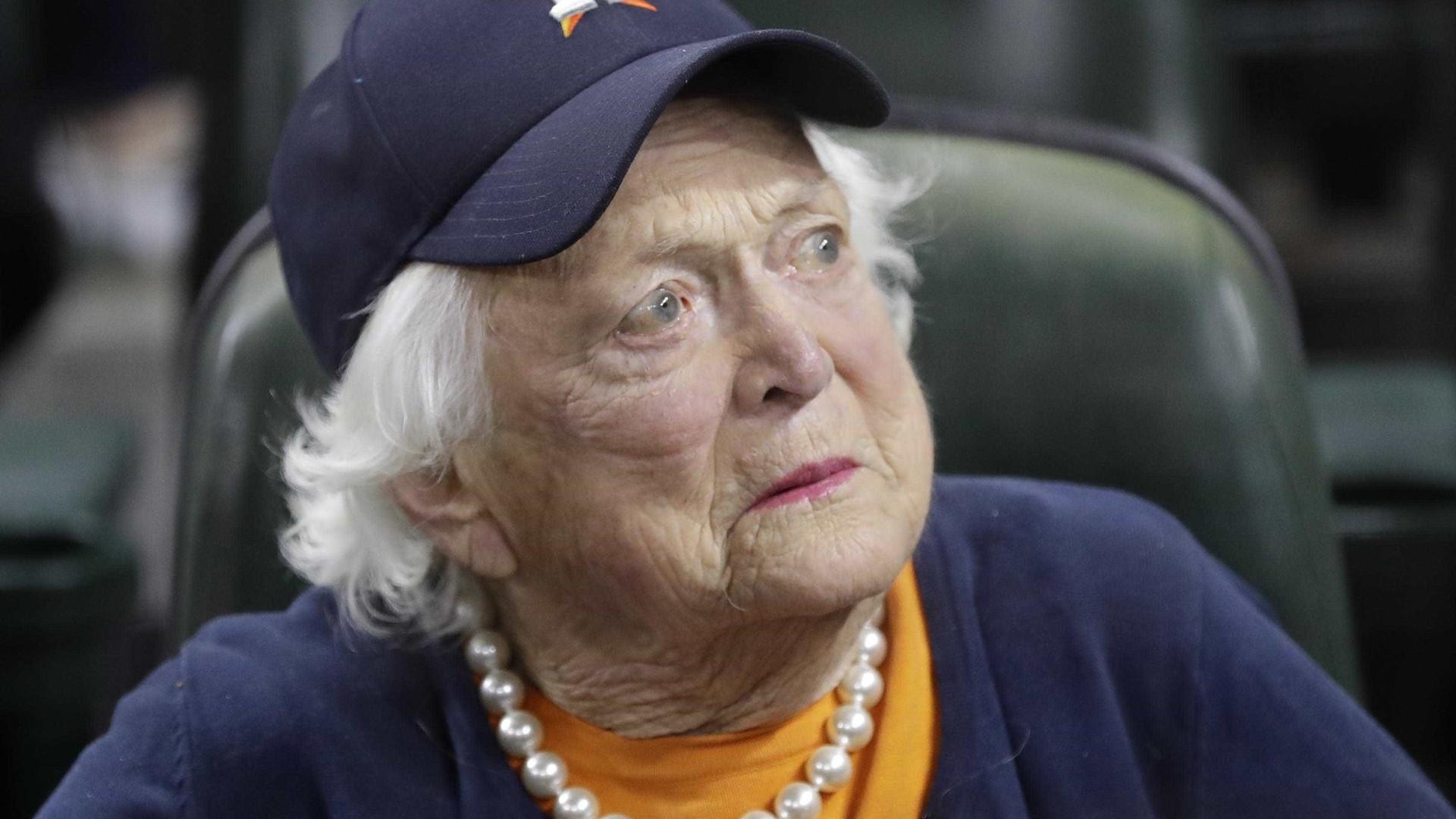 Ex-primeira-dama dos EUA tem piora e nega tratamento de saúde