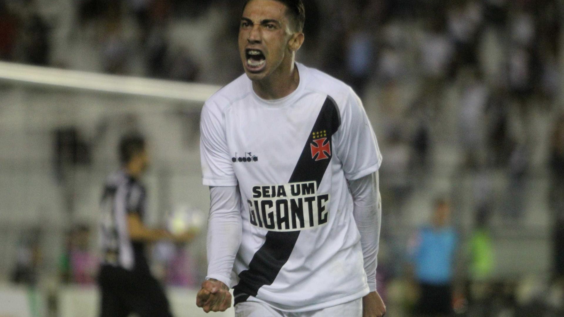 Vasco supera golaço de Otero e vira sobre o Atlético-MG nos acréscimos