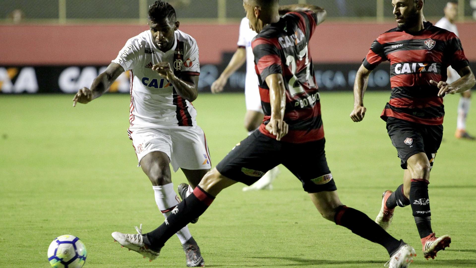 CBF afasta trio de árbitros após erros em Vitória x Flamengo