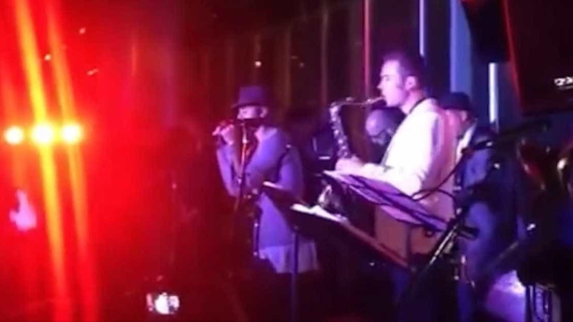 Justin Bieber faz performance surpresa em show de jazz nos EUA