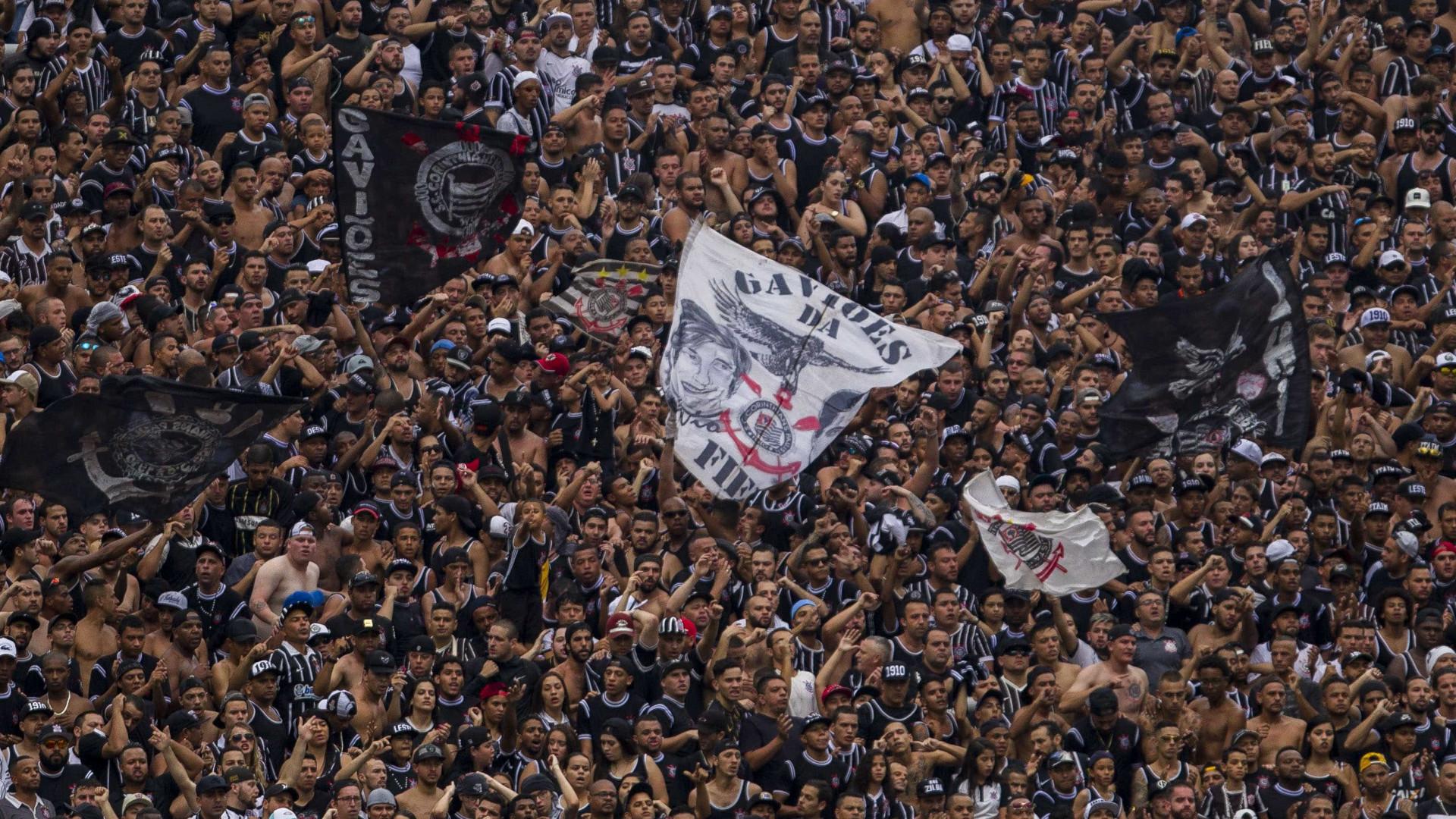 Melhor da década, Corinthians usa receita antiga para buscar 8º título