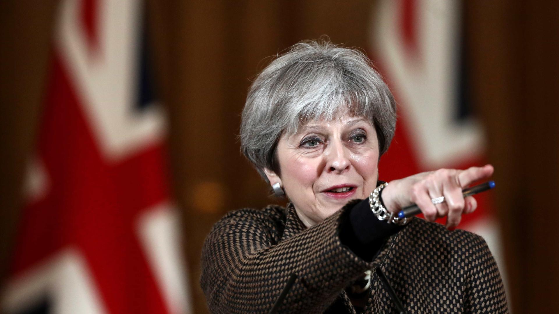 'Nunca vou concordar em dividir nosso país', diz Theresa May