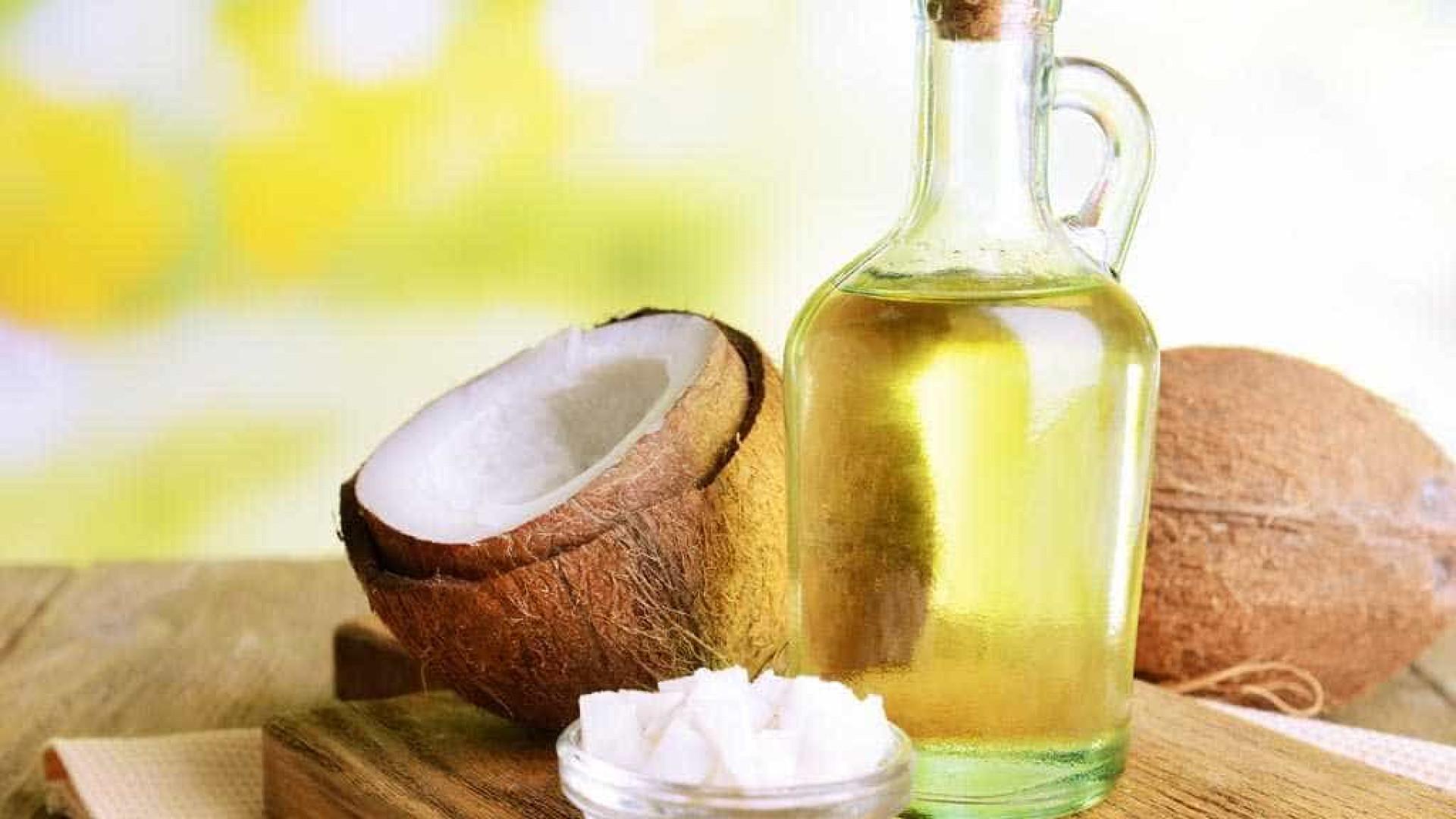 Aprenda a fazer óleo de coco caseiro