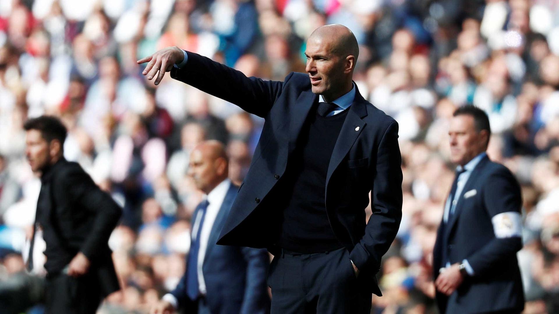 Zidane pede contratação de jogador francês para continuar no Real