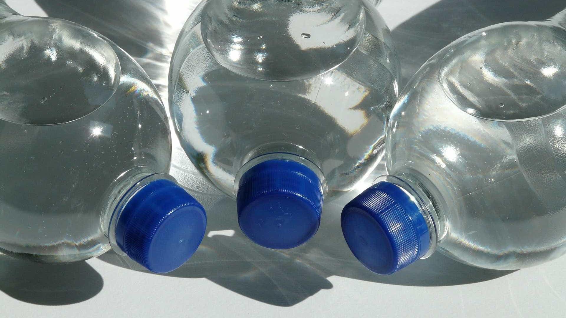 Cientistas criaram acidentalmente uma enzima mutante que come plástico
