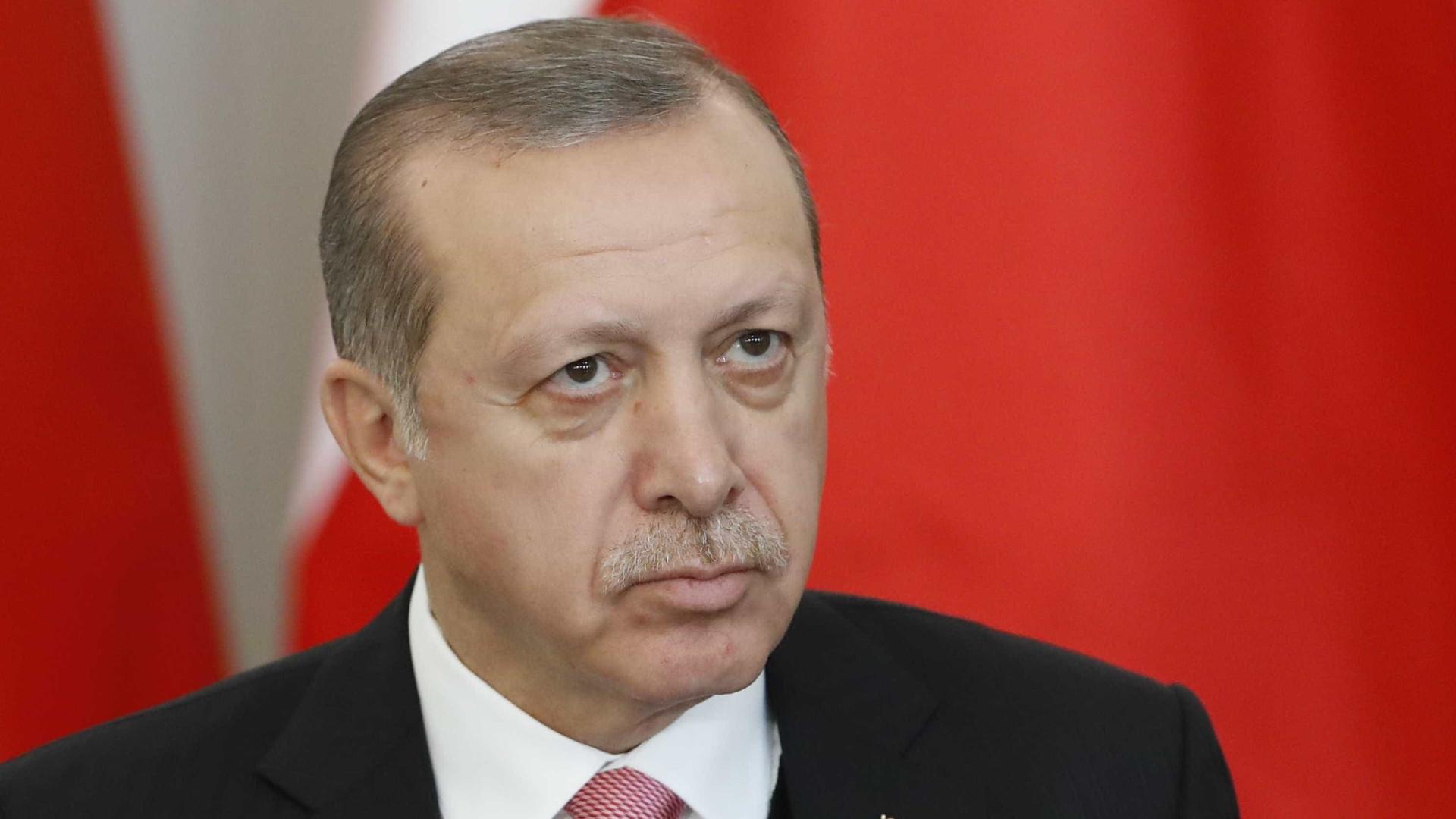 Erdogan anuncia antecipação das eleições na Turquia
