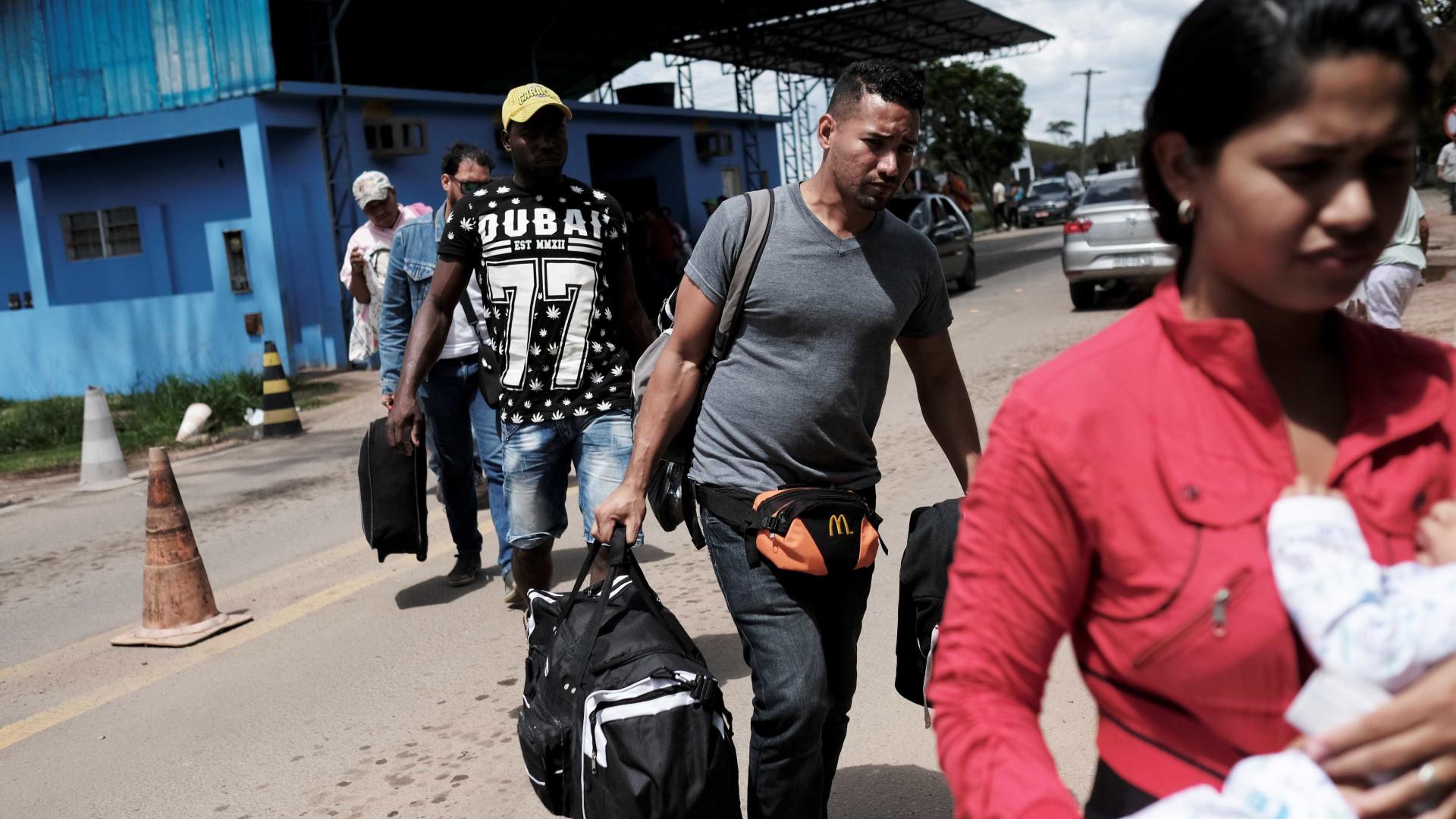 Fronteira com Venezuela reabre, mas crise humanitária persiste