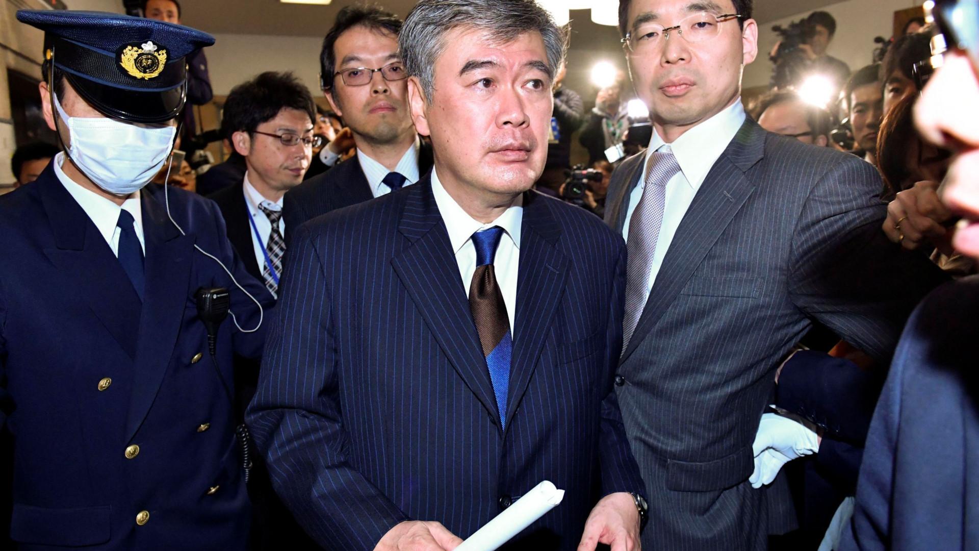 Vice-ministro japonês nega acusações de assédio sexual
