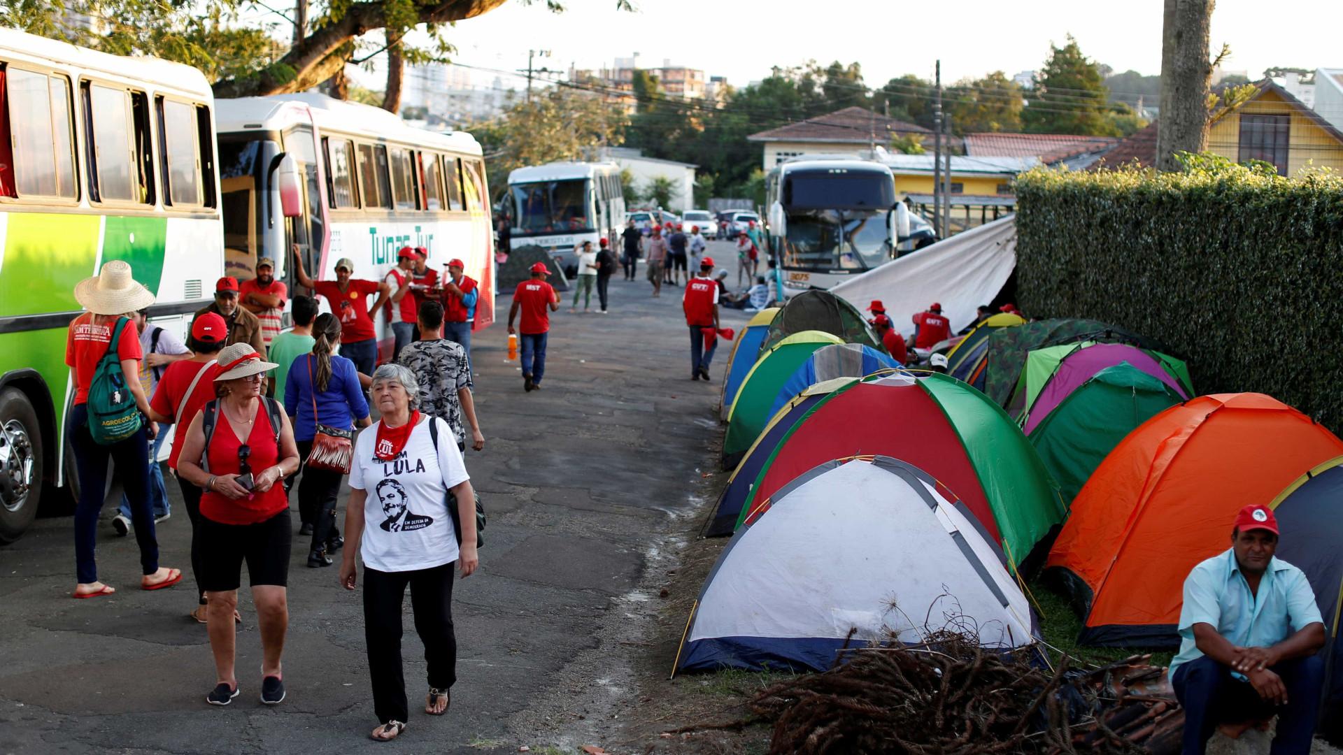 'Vaquinha' para manter mobilizações pró-Lula arrecada R$ 350 mil