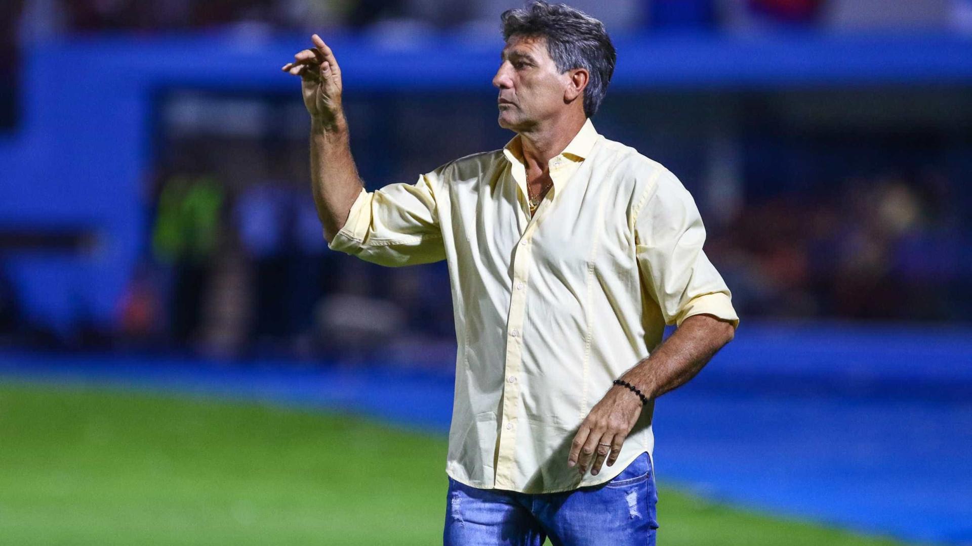 Renato Gaúcho fecha portões e treina pênaltis no Grêmio