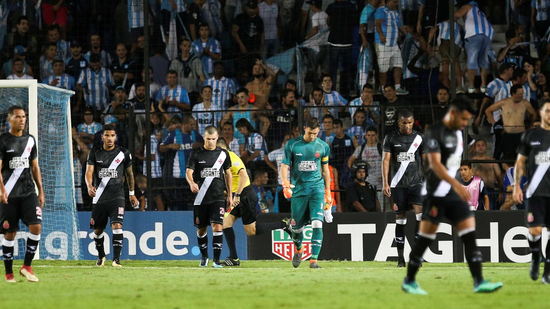 Vasco é goleado pelo Racing e se complica na Libertadores