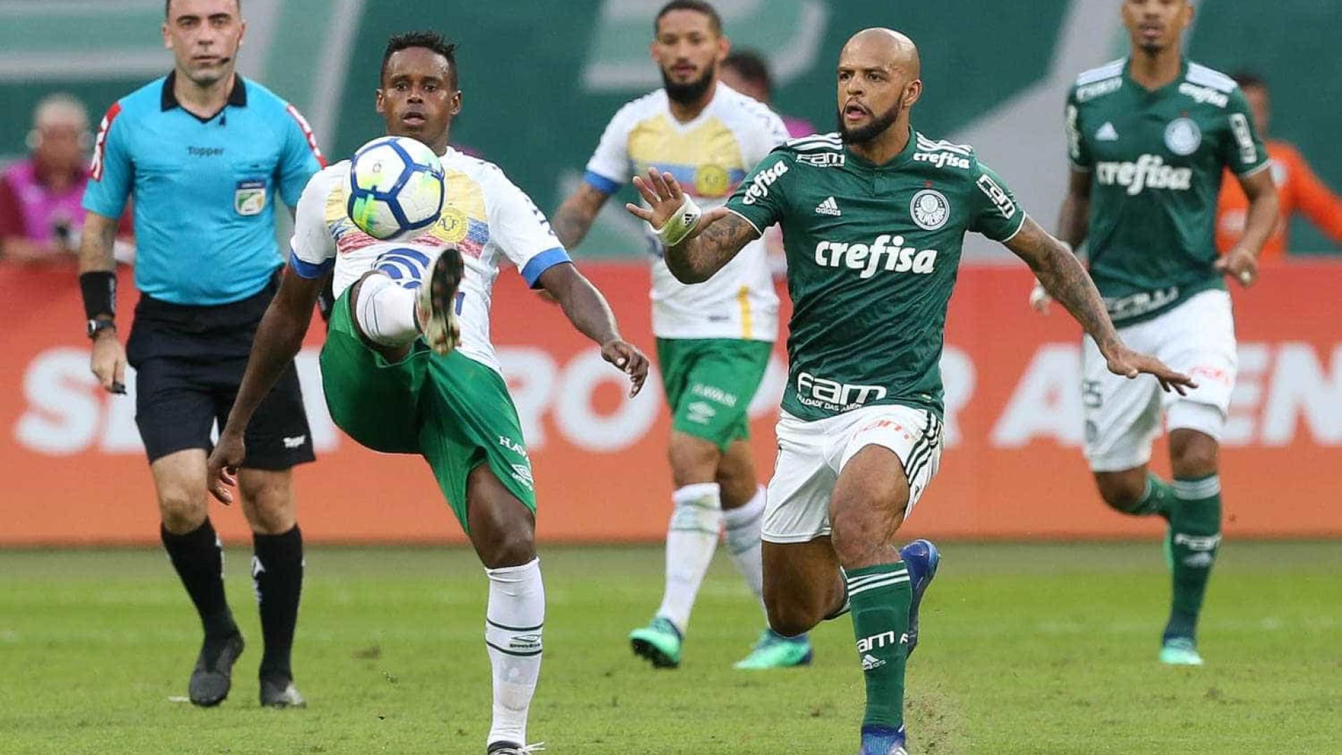 Palmeiras e Chapecoense empatam e gol anulado gera polêmica
