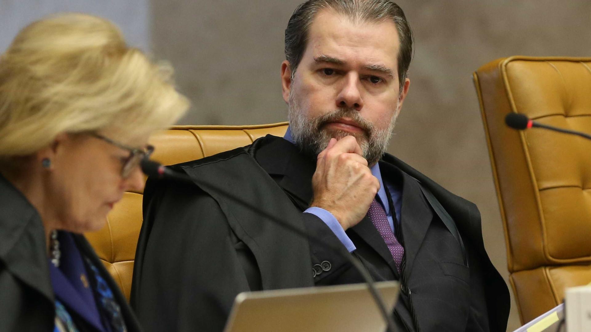 Dias Toffoli afasta promotor que investiga Aécio Neves em Minas