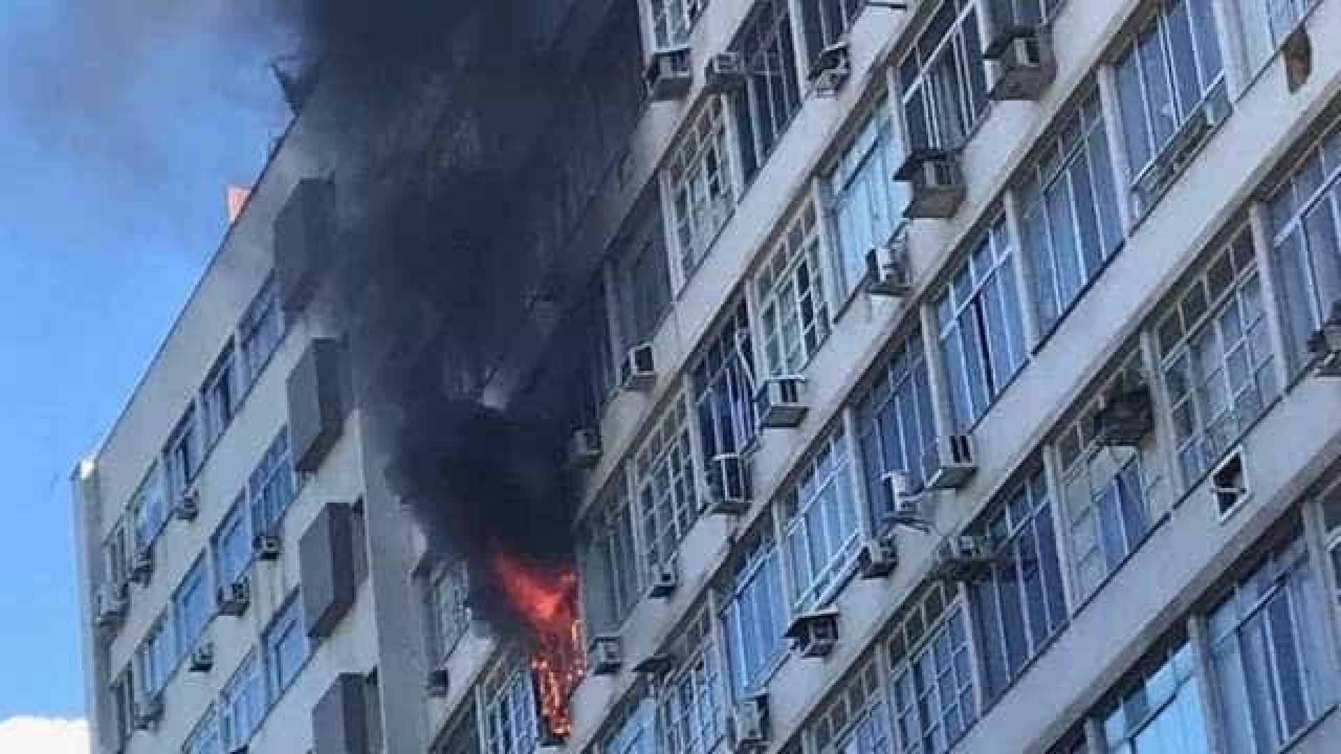 Incêndio atinge apartamento em Botafogo