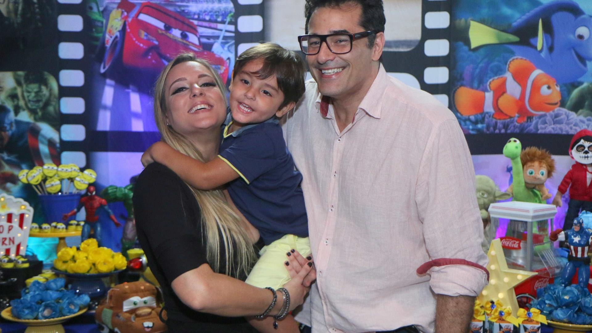 Luciano Szafir virou revendedor de cosméticos, diz colunista