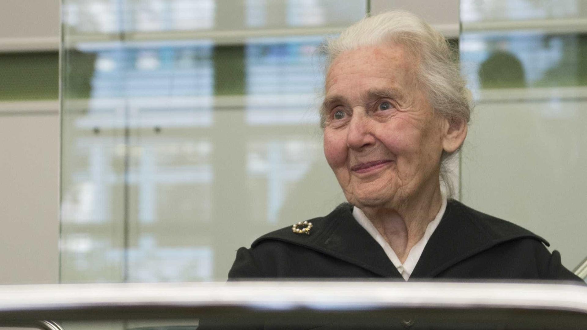 'Avó nazista' que negou o Holocausto é encontrada e levada à prisão