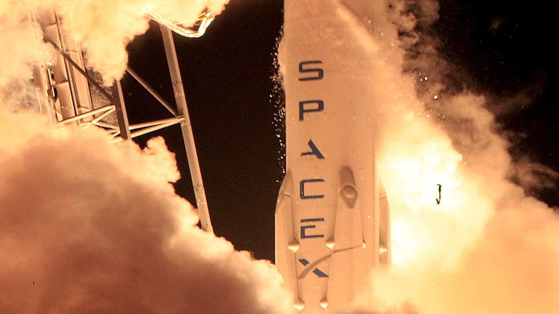 SpaceX lança seu novo foguete Falcon 9 Block 5
