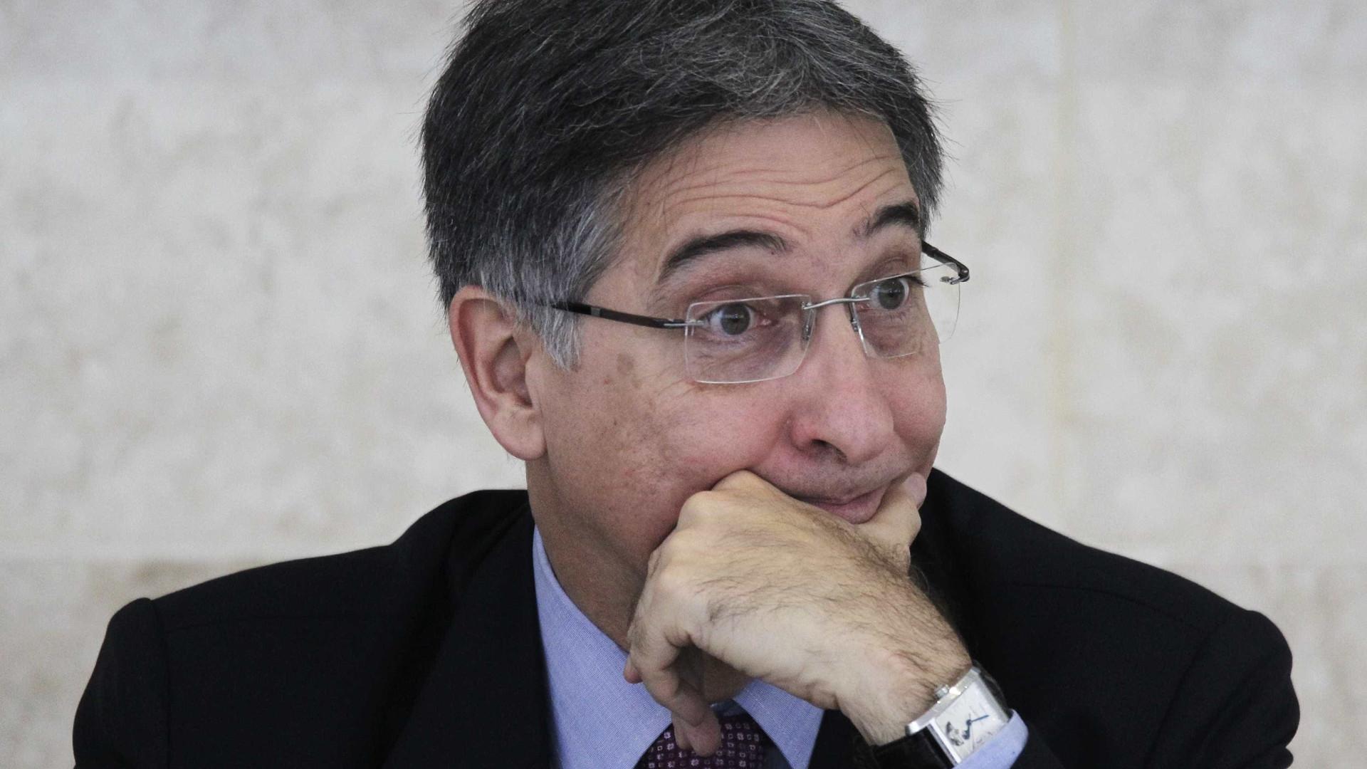 PGR denuncia Fernando Pimentel por falsidade ideológica eleitoral