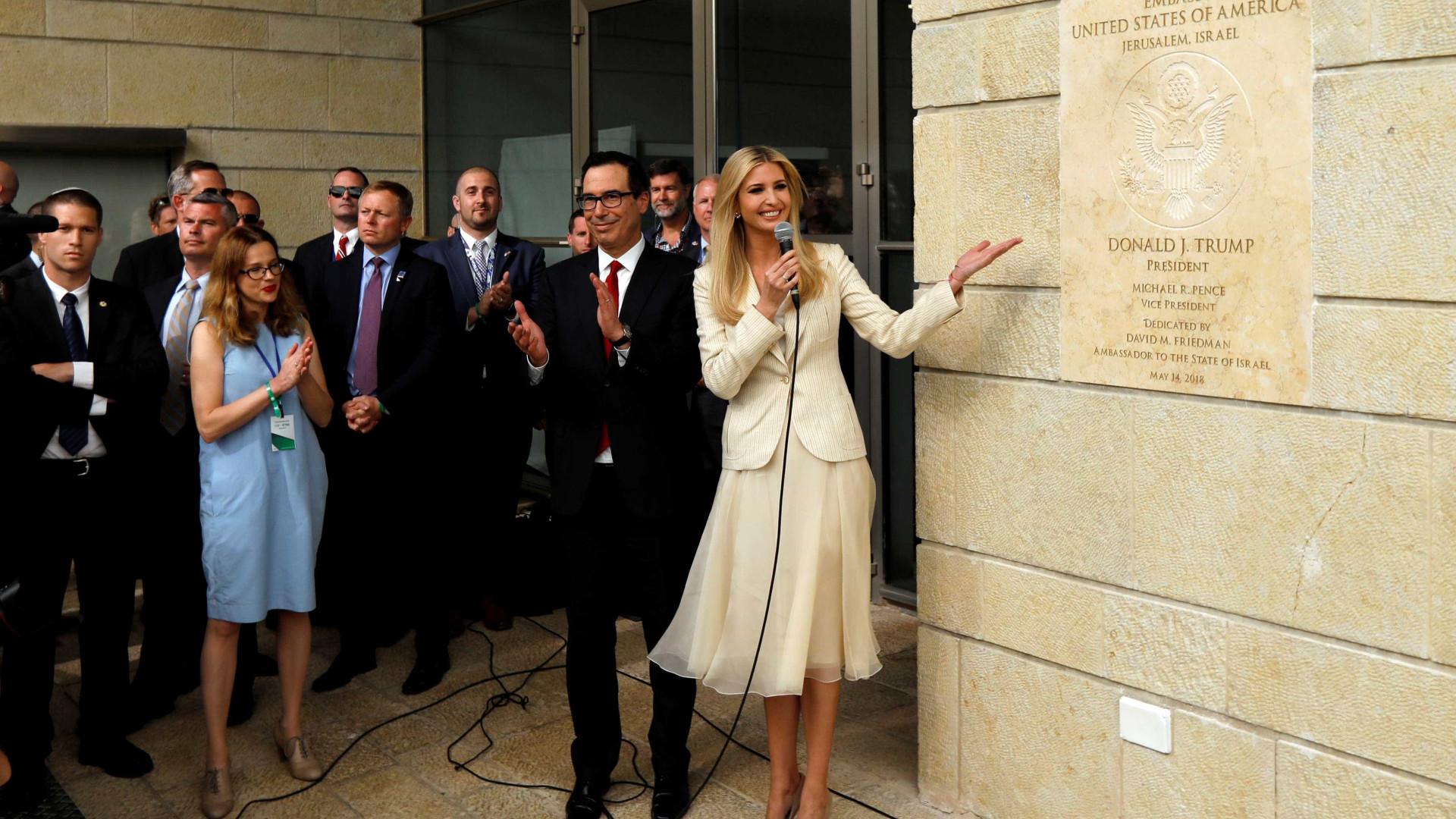 Em meio a protestos, EUA inauguram embaixada em Jerusalém