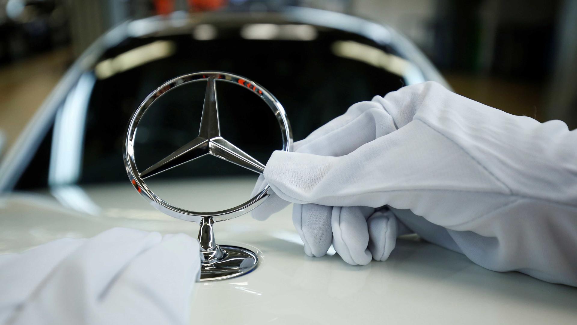 Greve mobiliza 8 mil trabalhadores na Mercedes por reajuste salarial