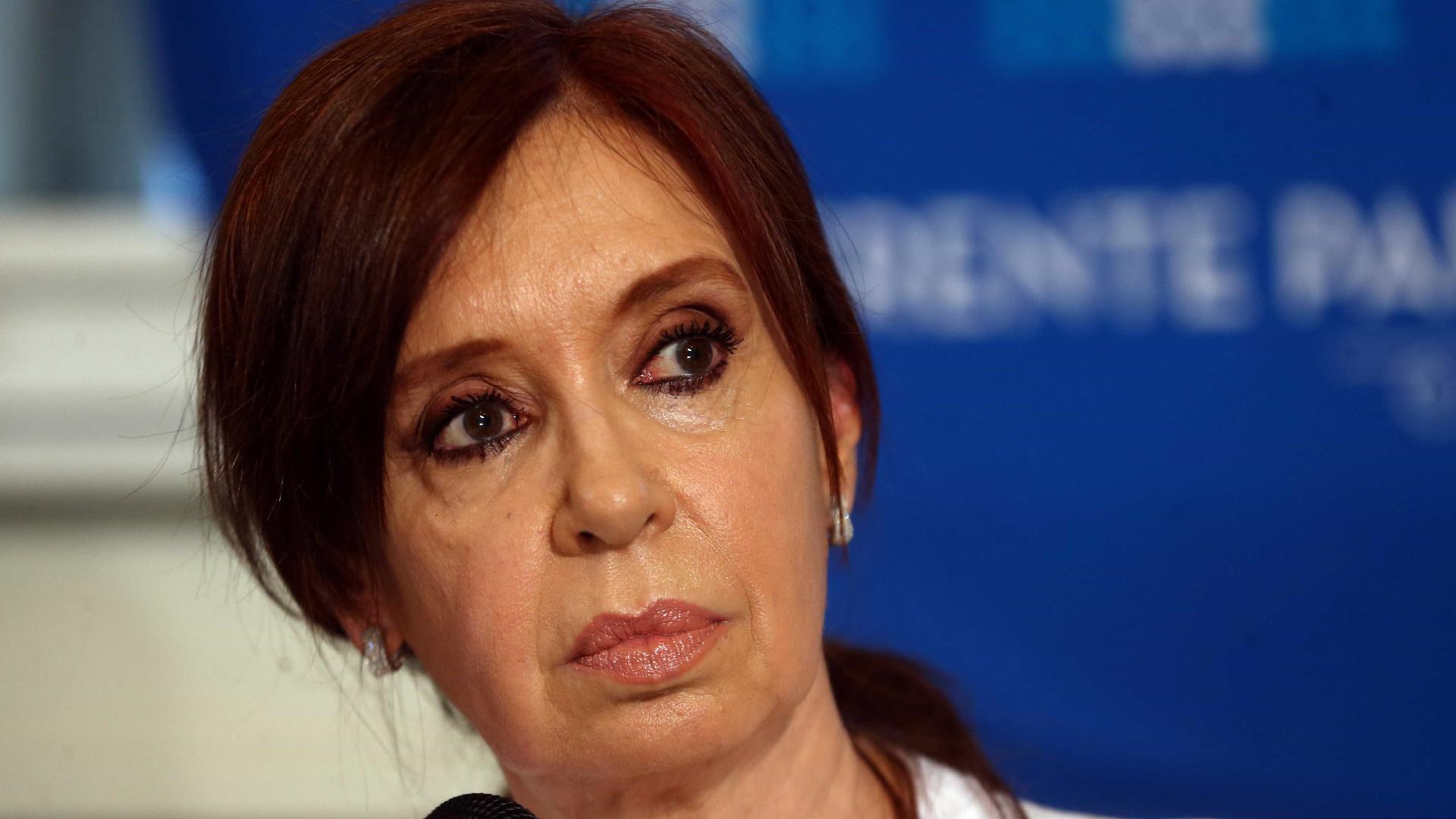 Cristina Kirchner e filhos são indiciados por lavagem de dinheiro